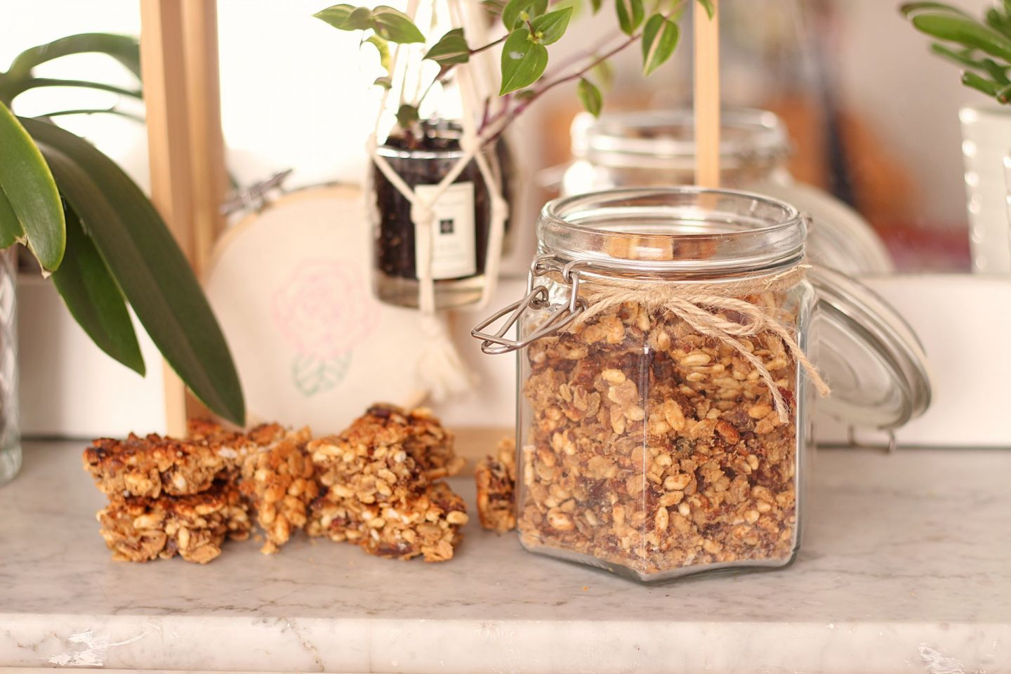 vegan puffed rice granola